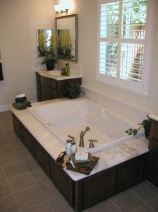 Bathroom 2 - Bathtub